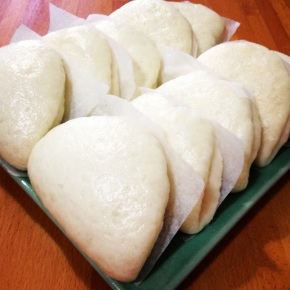 馒头 man tou: Chinese Steamed Buns