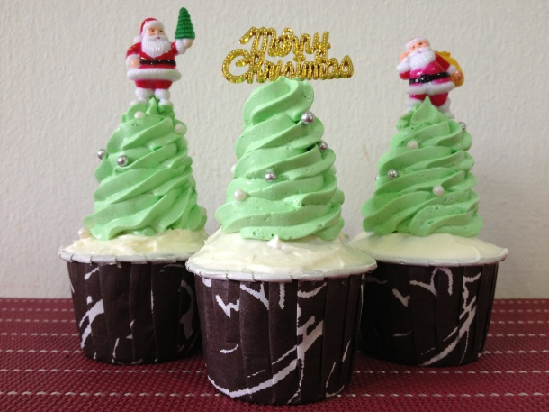 Day 11: Chocolate Mint Cupcakes