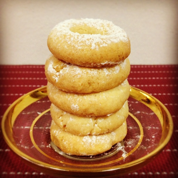 Five golden cardamom spiced rings... DONE!