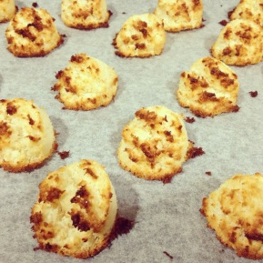 CNY-inspired recipe #1: Gluten-free Coconut Macaroons