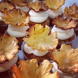 Tadaaa... hummingbird cupcakes that taste as pretty as they look!