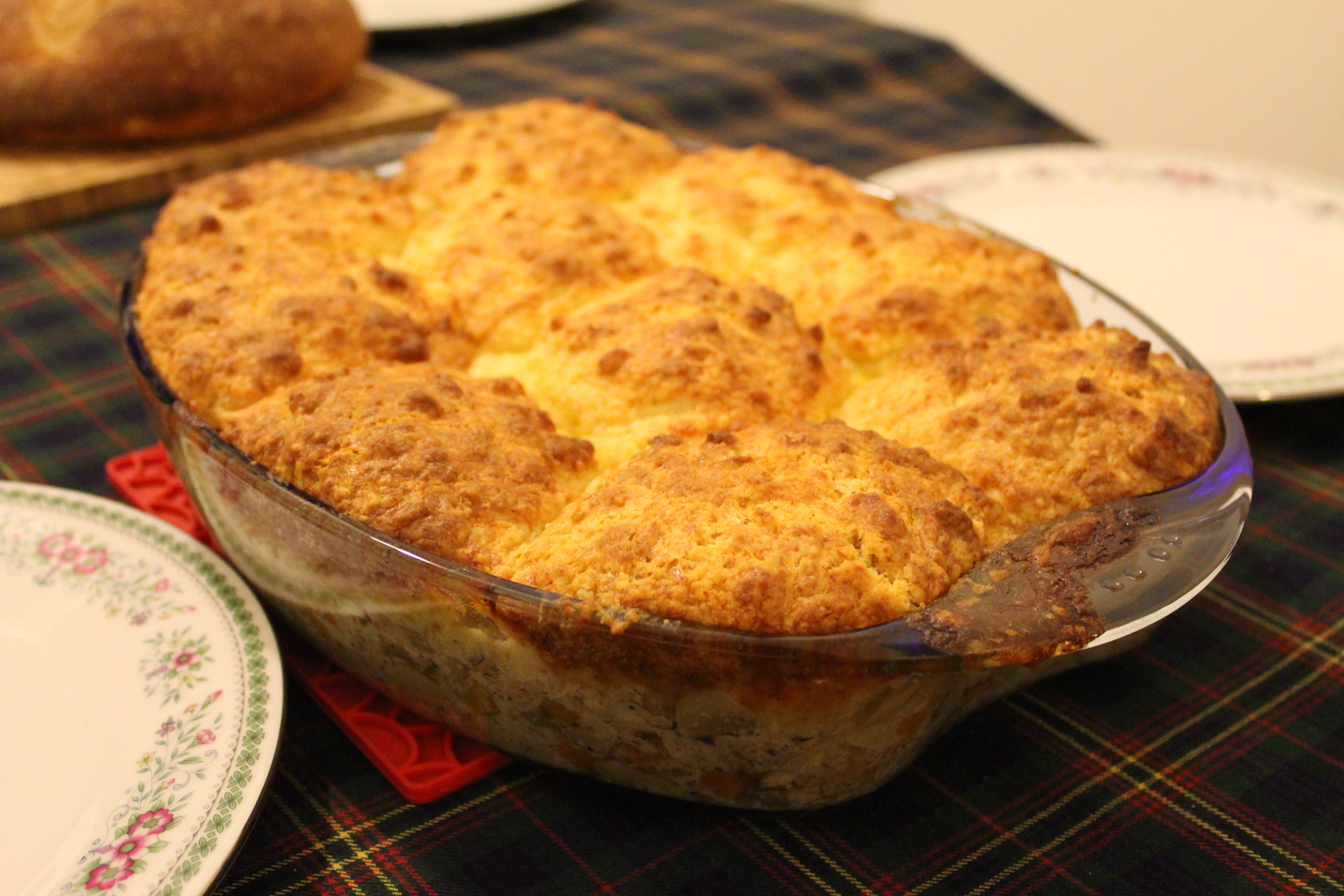Turkey Pot Pie with Cheddar Biscuit Crust | fait maison