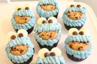 Custom-design 'Cookie Monster' Cupcakes