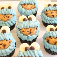 Custom-design 'Cookie Monster' Cupcakes
