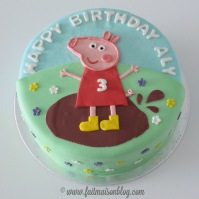 Custom-design 'Peppa the Pig' Cake