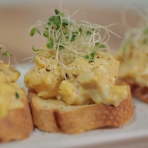 Curried Cauliflower Egg Mayo Crostini